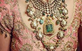 Layered Necklace – Your Grand Entrance to the Party!